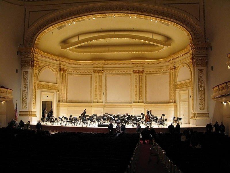 800px-Carnegie-hall-isaac-stern
